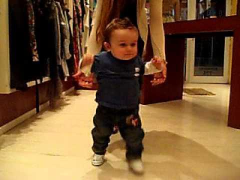 Camina bebe a los 9 meses de valentino youtube - Bebe de 9 meses ...