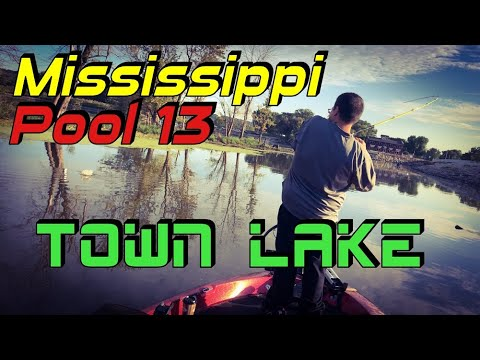 iowa-bass-fishing,-mississippi-pool-13-town-lake