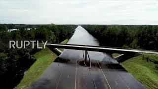 USA: Carolina floods turned highways to rivers