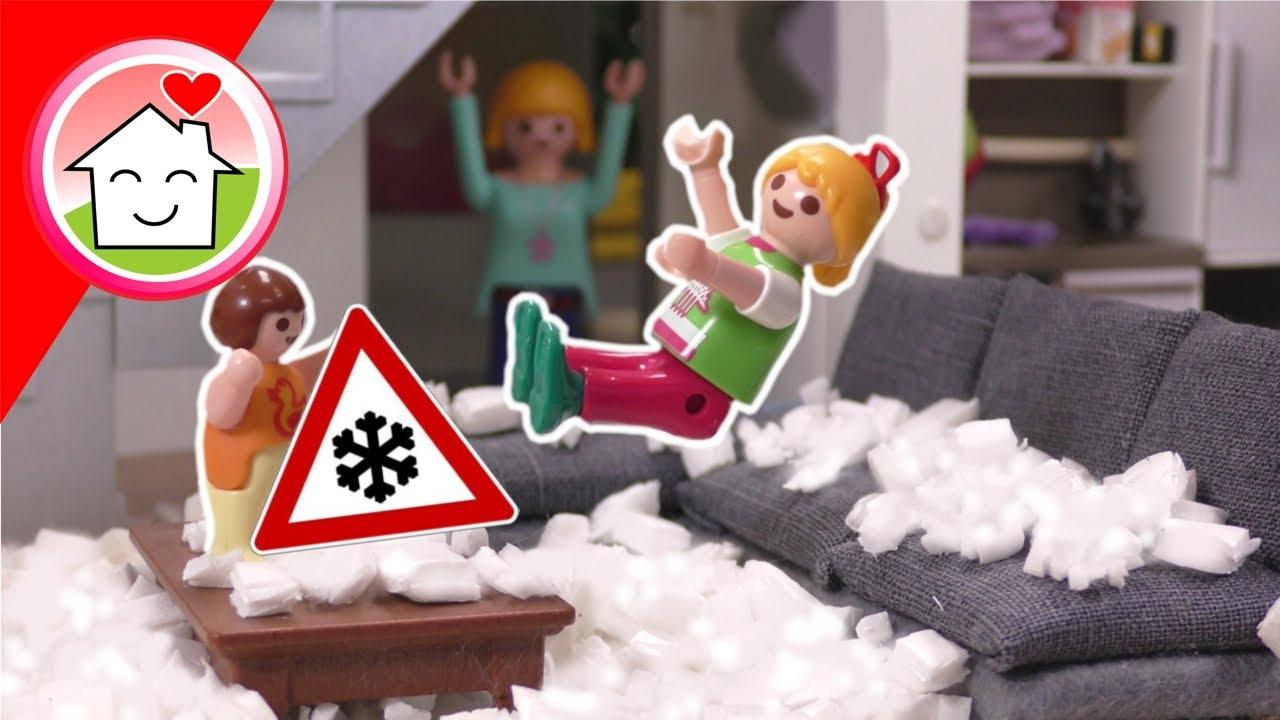 Playmobil Familie Hauser - Schnee im Wohnzimmer - Geschichte mit Anna und Lena
