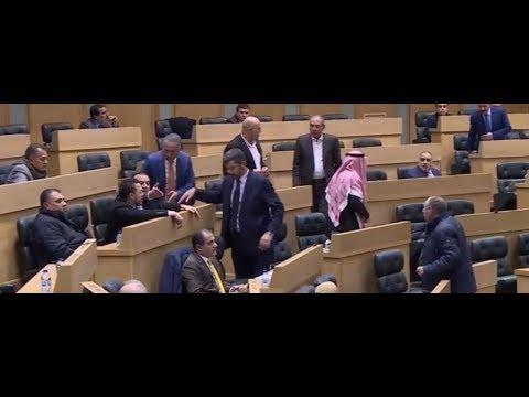 مشادة كلامية بين النواب حول جلسة اتفاقية الغاز,  - نشر قبل 11 دقيقة
