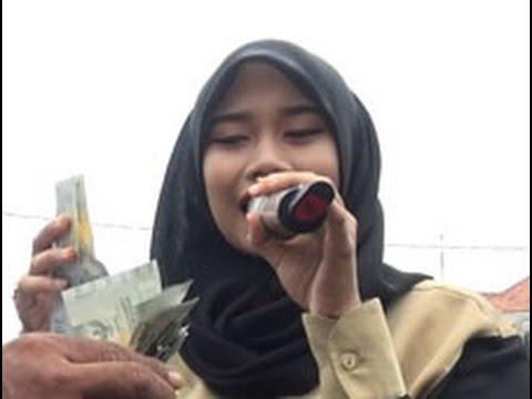 PATUNG PAJANGAN Voc. Dewi Asmarani LS