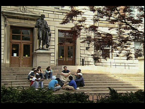 2008 Documentary about Columbia Journalism School (long)