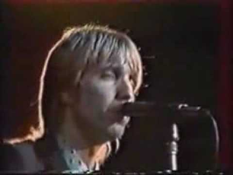 Tom Petty and the Heartbreakers - Don't Do Me Like That (Live in France)
