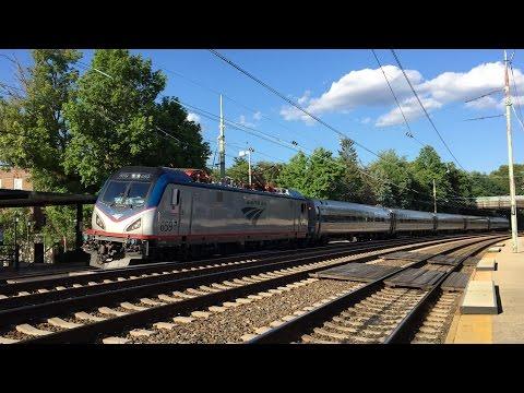 SEPTA HD 60fps: Amtrak Siemens ACS-64 659 Leads SEPTA Train 1583 @ Narberth 7/11/16