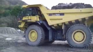 Komatsu dump truck HD785