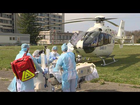 Covid-19 en France: un patient à Mulhouse transféré par hélicoptère | AFP Images