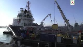 """Brest: 'Modern Express"""" chargement materiel anti-pollution - Bretagne Télé"""