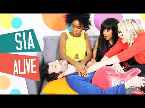 COVER SIA - A avec Lola Dubini Inaya et Awa Sy