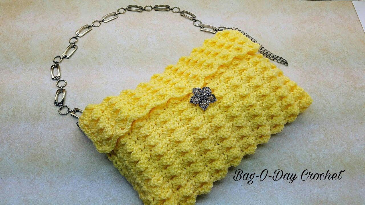 Crochet Lemon Applique • Free Pattern by RaffamusaDesigns | 720x1280