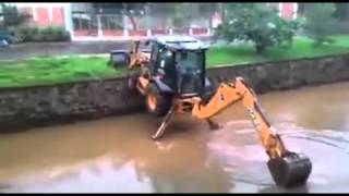 This Guy Has Some Serious Backhoe Skills