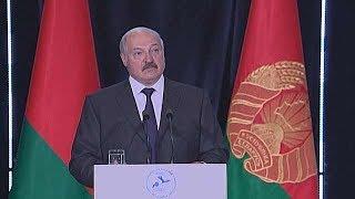 Лукашенко: борьба за новости приобретает политический характер