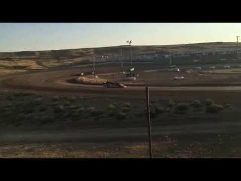 7/30/2016 Gillette Thunder Speedway heat race (outside)
