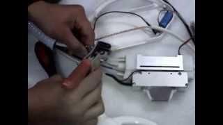 видео Нюансы замены лампы ближнего света на ниссан кашкай