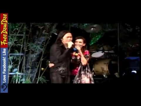 Scandal Hoài Linh & Phi Nhung bật mí đời tư trên sân khấu