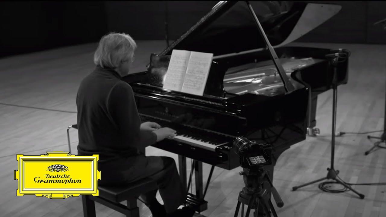Kun-Woo Paik – Schumann: Waldszene Op. 82: III.. Einsame Blume
