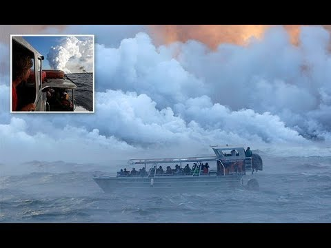 tourist-boats-check-out-kilauea-lava-as-hawaii-volcano-continues-to-erupt
