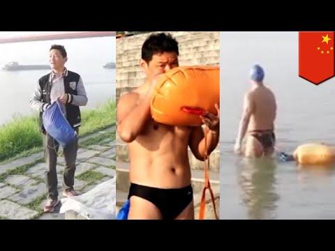 Man cuts work commute swimming across Yangtze for 11 years - TomoNews