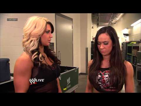 Kaitlyn gets into a serious conflict with AJ Lee: SuperSmackDown, Dec. 18, 2012