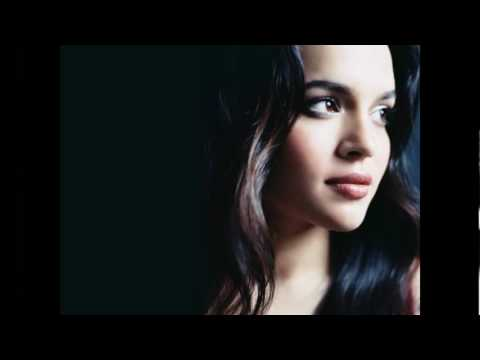norah jonescome away with me excellent HD HQ audio sound
