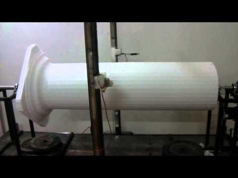 Máy cắt xốp cột trụ