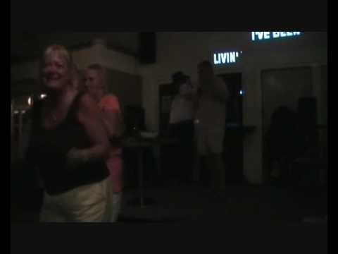 Karaoke - Karaoke shows - Sunshine Cowgirl - Peter Borup - Danish Country singer - Linedancing