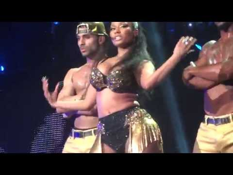Nicki Minaj - The Pinkprint Tour Live Amsterdam - Did It On Em, BITT, Flawless, Dance (A$$)