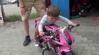 Simik proste miluje ruzovy motorky - 2014 07 05