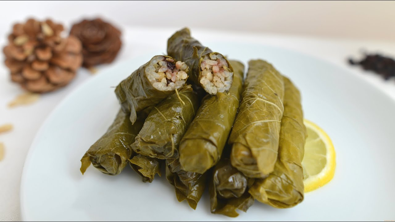 Stuffed Grape Leaves With Rice How To Roll With Plastic Bag Youtube