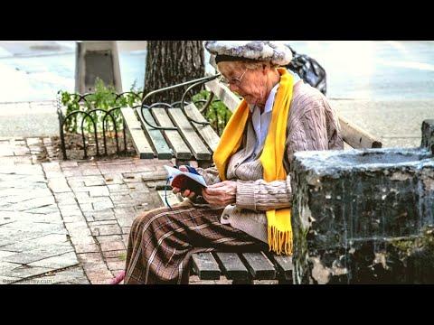Бабушка выбрала дарение, а не завещание, и внучка в итоге осталась без денег