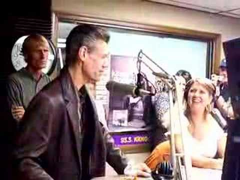 Randy Travis at KKNG 93.3 Radio in Oklahoma City