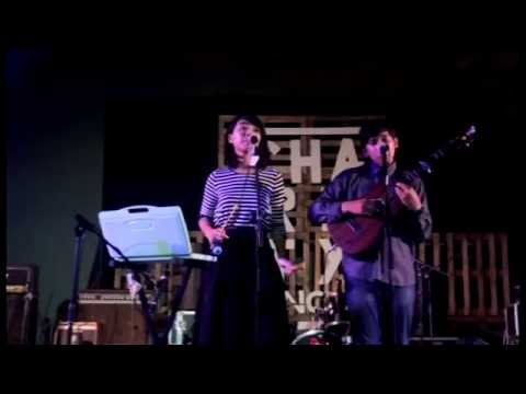 Banda Neira -  Senja Di Jakarta (Live on...