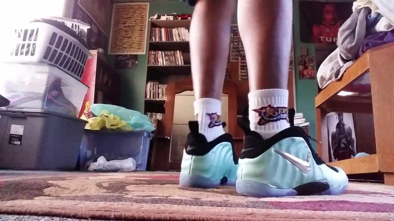 4f62074fa7e DHGate Replica Nike Pro Island Green Foamposite on feet - YouTube