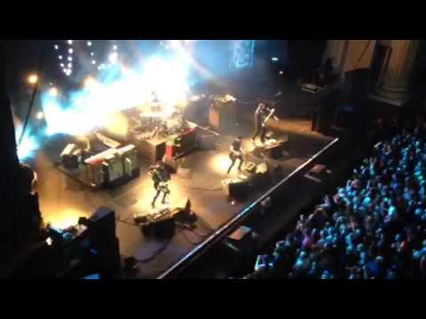 Stereophonics play Dakota during encore  at Edinburgh Usher Hall Saturday 29th November 2015