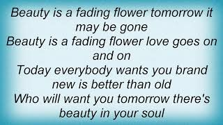 Watch Tom T Hall Beauty Is A Fading Flower video