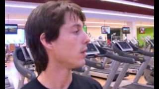 Elíptica: ejercicio en el gimnasio