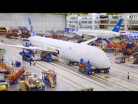 Building Boeing 787-10 Dreamliner  - timelapse