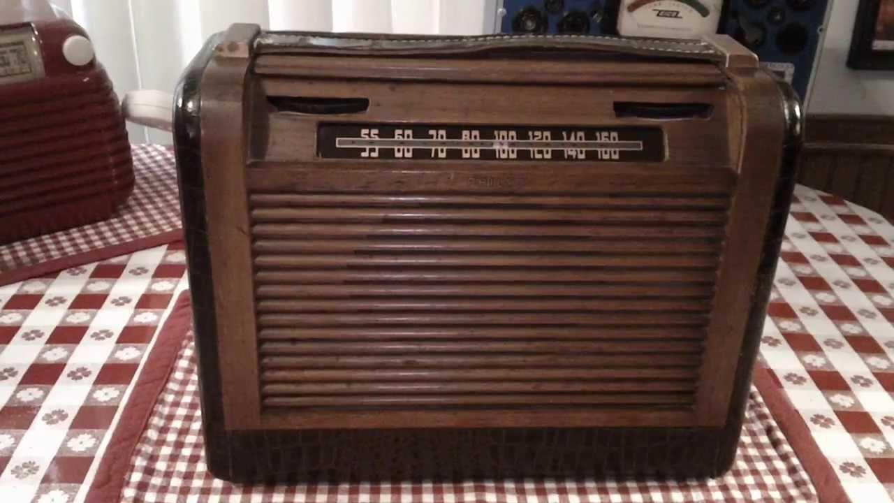 Philco 48 360 A Vintage Tube Portable Radio From 1948
