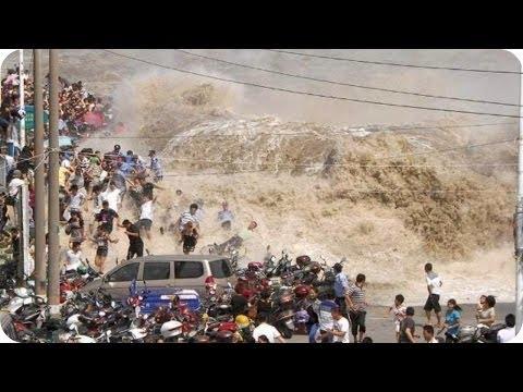 Japan 2011 Tsunami Caught On Camera   Ocean Overtops Wall