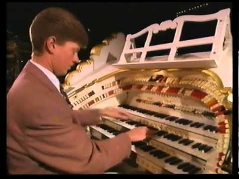 What Is A Theatre Organ? Robert Wolfe Expains