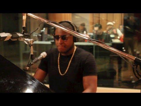 "Mr Himself Preforms 2 Chainz ""i'm Different"" LIVE Piano Video Remix"