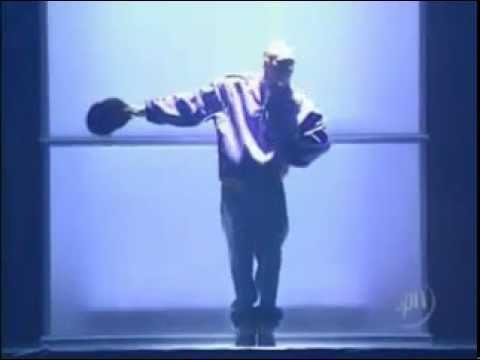 Chris Brown feat Juelz Santana - Run It Live Vibe Awards 2005