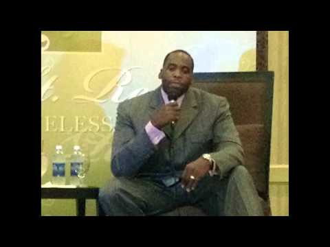 Ex-Mayor Kwame Kilpatrick speaks to the media, 8-16-2012