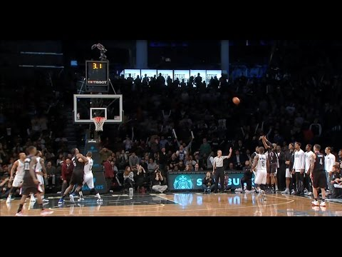 Chris Paul's Late 3-Pointer Sends It to Overtime | 11.29.16