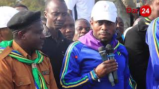 """Jerry Muro arushiana Vijembe na DC wa Arusha Mjini, """"Mkuu wa Wilaya hafahamu kama shule zimefungwa"""""""
