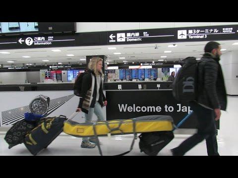 Tokyo to Niseko in search of SNOW!  | Vlog #5 (Japan 2017)