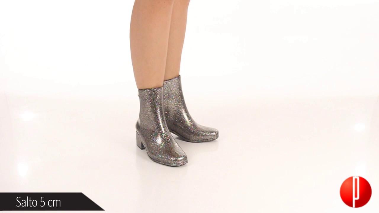ec080f6616f Ankle Boots Feminina Zaxy Close - 6010492062 - YouTube