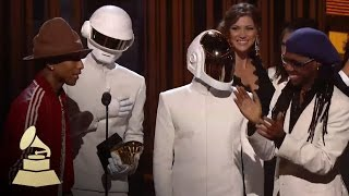 Скачать Daft Punk Win Record Of The Year GRAMMYs