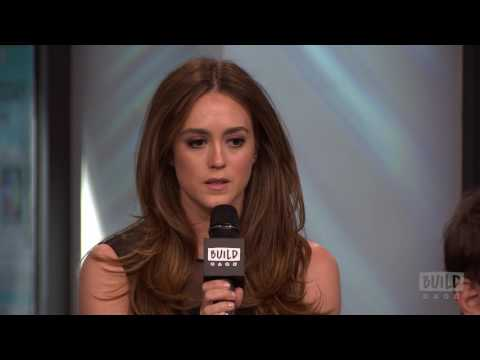 """Heather Lind Discusses Playing Anna Strong In """"TURN: Washington's Spies"""""""