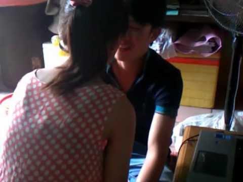 hôn nhau công khai :))
